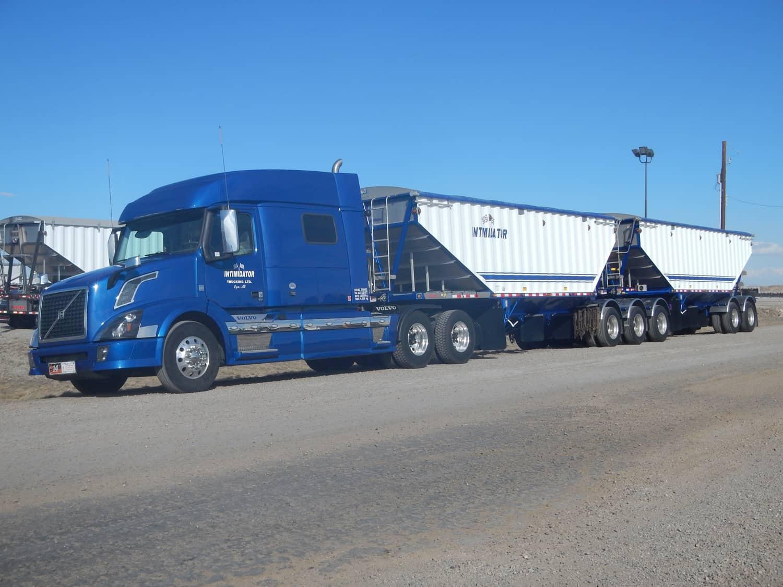 Intimidator Trucking Ltd. Oyen, Alberta 2016 Doepker Super B Bulker