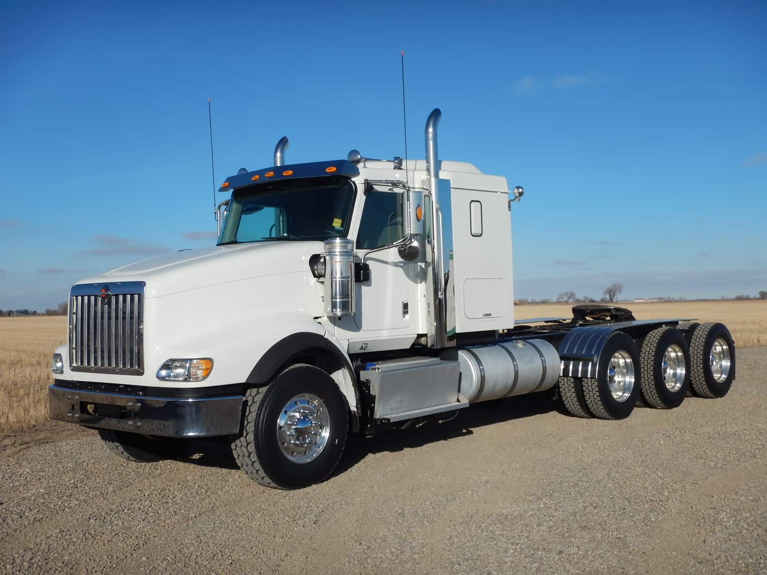 Lo-Cost Transport Ltd. 2015 International 5900i SBD Tri Drive